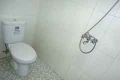 Villa-Batu-9-kamar-mandi-2