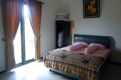 Villa-Batu-9-kamar-tidur-2