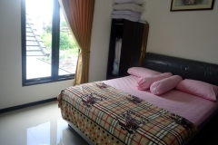 Villa-Batu-9-kamar-tidur-5