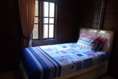 villa-batu-14-rumah-kayu-bedroom
